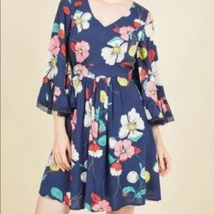 ModCloth Blue Floral Dress Bell Sleeves Sz Medium